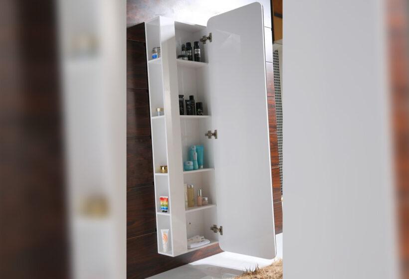 колонен огледален PVC шкаф